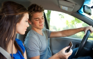 distracted-teen-drivers